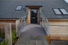 VertiGrain 2 Grey decking boards from TimberTech. Grey composite decking for contemporary gardens – order a FREE sample now! Grey Gardens, Composite Decking, Modern Buildings, Walkway, Real Wood, Cornwall, Composition, Contemporary, Outdoor Decor