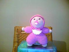 een knuffelpopje gehaakt, patroon is van Zwaantje Creatief.