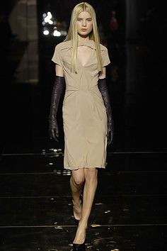 Zac Posen | Fall 2007 Ready-to-Wear Collection. The Chest Cut Out Is Such A Great Detail.
