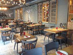 Letztens haben wir schon ein Video von der neuen Tapas Factory in #Essen veröffentlicht. In unserem Blog-Artikel beschreibt #Gastronom Antonio, warum er sich für eine #Möblierung mit der #Stuhlfabrik Schnieder entschieden hat: http://stuhlfabrik-schnieder.com/ole-einrichtung-einer-tapas-bar/