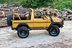 This Mercedes Benz G-Class in Stormtrooper Yellow Is All Cool Mercedes G Wagen, Mercedes Benz Coupe, Mercedes Benz Unimog, Mercedes Benz G Class, Mercedez Benz, G Wagon, Motor Car, Car Crafts, Offroad
