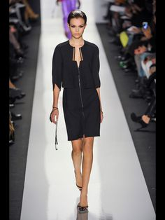 See the entire collection from the Ralph Rucci Fall 2013 Ready-to-Wear runway show. Runway Fashion, Fashion Show, Fashion Design, Pretty Black Dresses, Ready To Wear, Menswear, Dresses For Work, Shirt Dress, Couture