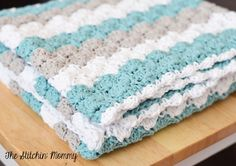 Crochet Shell Stitch Baby Blanket by The Stitchin' Mommy ✿⊱╮Teresa Restegui http://www.pinterest.com/teretegui/✿⊱╮