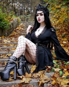 Sexy Outfits, Gothic Outfits, Fashion Outfits, Hot Goth Girls, Gothic Girls, Comic Art Girls, Gothic Mode, Goth Women, Goth Beauty