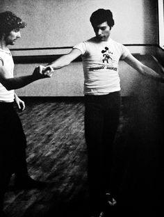 Freddie Mercury in 1979, practicing ballet.