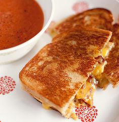 Garlic-Rubbed Grilled Cheese with Bacon and Tomatoes | What's For ...