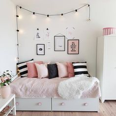 48 Clever Kids Bedroom Organization and Tips Ideas ideas for small rooms for adults cheap 48 Clever Kids Bedroom Organization and Tips Ideas - Insidexterior Small Room Bedroom, Trendy Bedroom, Home Decor Bedroom, Girls Bedroom, Bedroom Ideas, Small Rooms, Modern Bedroom, Budget Bedroom, Bedroom Designs