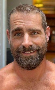 Scruffy Men, Hairy Men, Brian Sims, Beard Images, Bear Men, Beard Balm, Handsome Faces, Raining Men, Single Men