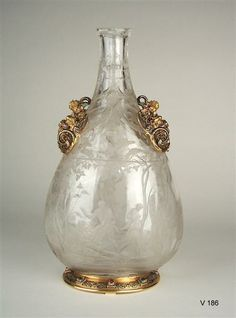 Bottle with scenes from the story of Noah    Saracchi, workshop (Crystal Schneider)  Fontana, Annibale (sculptor)  Milan, circa 1580