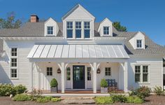 Curb Appeal Makeover With Lowe's via Farmhouse Boones // Modern Farmhouse Front Porch, Modern Farmhouse Exterior Exterior House Colors, Exterior Doors, Exterior Paint, Exterior Remodel, Facade Design, Exterior Design, Modern Exterior, Door Design, Veranda Design