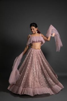 Top 15 Designer Bridal Lehenga for Wedding - Fashion Girls Lehenga Choli Designs, Lengha Design, Indian Wedding Gowns, Indian Gowns Dresses, Designer Bridal Lehenga, Designer Party Wear Dresses, Indian Designer Outfits, Indian Outfits, Indian Lehenga