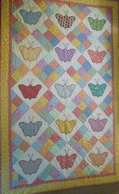 Did a butterfly quilt many years ago, love those reproduction fabrics.