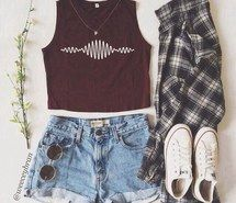 Inspiring image artic monkeys, checkered shirt, converse, converses, crop tops, denim, fashion, flannel, grunge, hipster, indie, outfit, outfits, shorts, summer, flower headbands #2467557 by LADY.D - Resolution 500x495px - Find the image to your taste