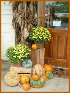 Imaginative Fall Porch Decorating Ideas to Make Yours Unforgettable fall decor Deco Floral, Arte Floral, Autumn Decorating, Porch Decorating, Decorating Ideas, Decor Ideas, Hay Bale Decorations, House Decorations, Décor Boho