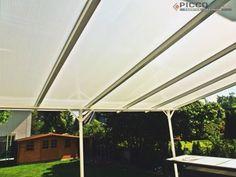 W upalną pogodę nasze daszki tarasowe stanowią doskonałe rozwiązanie dla miłośników spędzania czasu w ogrodzie! http://www.piccolux.pl/