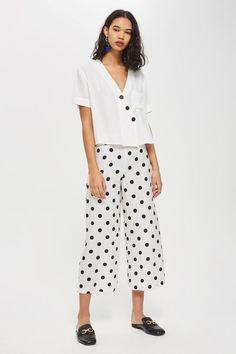Polka Dot Cropped Trousers - New In Fashion - New In - Topshop Cropped Wide Leg Trousers, Trousers Women, Polka Dot Pants, Polka Dots, Nylons, Pantalon Long, Fashion Models, Fashion Outfits, Womens Fashion