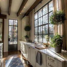 Hammersmith Atlanta - Kitchen Sink Window with Short Curtains, Country, Kitchen
