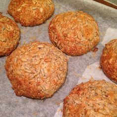 Chiaboller (Healthy food by Louise) Rye Bread Recipes, Low Carb Recipes, Healthy Recipes, Bread And Pastries, Dough Recipe, Low Carb Diet, Healthy Baking, Healthy Food, Lchf
