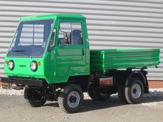 Lorries Although we pay less, but how this is actually a truck? IFA Multicar , then only Multicar , or even Kinderkamion or multikráva , that was a long … East German Car, House Fence Design, Bus Coach, East Germany, Mini Trucks, Smart Car, Old Cars, Zine, Cars And Motorcycles