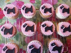 these are awesome. Puppy Birthday, Girl Birthday, Birthday Parties, Birthday Cakes, Dog Cupcakes, Cupcake Cookies, Cupcake Art, Cupcake Toppers, Creative Cakes