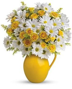 teleflora sunny day pitcher of daisies bouquet Happy Flowers, My Flower, Flower Vases, Fresh Flowers, Yellow Flowers, Spring Flowers, Silk Flowers, Beautiful Flowers, Yellow Bouquets