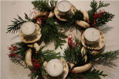 Keramický svícen - adventní, velikonoční,... / Zboží prodejce Staluja | Fler.cz Christmas Clay, Christmas Wreaths, Ceramic Christmas Decorations, Holiday Decor, Pottery Gifts, Advent Candles, Advent Wreath, Nativity, Sculpture