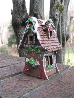 Gingerbread-House-straight interior walls and curved front/back cute