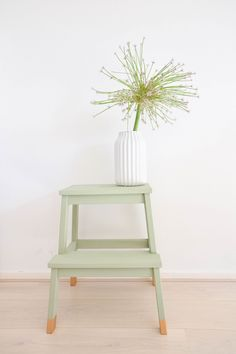 DIY Ikea Hack to transform the Bekvam step stool into a trendy plant stand. Ikea Hacks are so exciting. Because Ikea products are most of the time an excellent mix of modern and refined design which offer a lot … Retro Furniture, Ikea Furniture, Furniture Makeover, Furniture Ideas, Furniture Stores, Furniture Movers, Refurbished Furniture, Furniture Outlet, Luxury Furniture