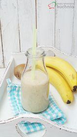 Koktajl bananowy z kiwi Kiwi, Smoothie Drinks, Glass Of Milk, Shake, Health Fitness, Lunch, Recipes, Food, Diet