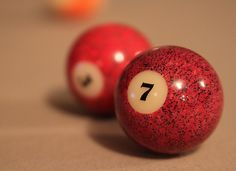 red. lucky 7. pool.
