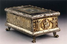 Portable Altar  c. 1120  Oak box, clad in partly gilded silver, feet of gilded bronze, 165 x 345 x 212 mm  Cathedral, Paderborn