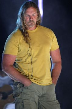 Trace Adkins :) sexiest voice in the world!