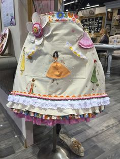 Embellished Memories: My Julie Nutting Decades Doll Stamps Apron....I just had to blog about it!