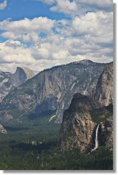 Yosemite Valley from Inspiration Point. Hike to do on the first day in Yosemite.
