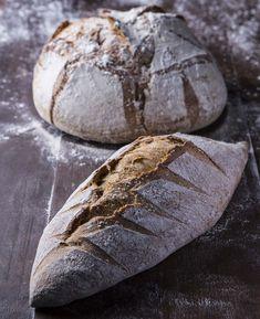 Pão italiano caseiro de tratoria tradicional? Faça você mesmo! Confort Food, Italian Bread, Pastry Cake, Sourdough Bread, Artisan Bread, Savoury Cake, Sweet Bread, Food Plating, Bread Baking