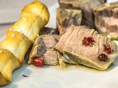 ilbottaccio | le ricette | TONNO SOTT'OLIO FATTO IN CASA CON OLIO EXTRAVERGINE D'OLIVA | una deliziosa conserva a base di tonno fresco da usare all'occorrenza anche per condire una para fredda o un'insalatona | https://www.olio.ilbottaccio.com/tonno-sottolio-casa/ #ilbottaccio #olivia #olio #olioextraverginedioliva #ricetta #tonno #food #foodinspiration #foodinspired #art #fun #foodphotography #photographer #amazing #gusto #cibo #mare #toscana #tuscan #tuscany #italy #madeinitaly #saporito