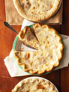 Indiana Sugar Cream Pie. 1c packed brown sugar, 1/3c  flour, 2c (1pnt) half and half or light cream. 1 tsp vanilla, 2 tax butter (cut in smll pieces) Prep pastry for sing crust pie. Evenly distribute brown sugar mix over bottom of pie crust. Pour half over brown sugar mix. Evenly distribute butter over pie mix. Sprinkle lightly with  nutmeg. Bake 30-55 minutes. See Web site for more instructions