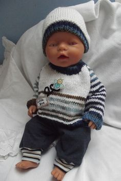Oblečky pro panenku - komplet se včelkou Baby Born Clothes, Preemie Clothes, Pet Clothes, Knitted Dolls, Ag Dolls, Stuffed Animals, Baby Knitting, American Girl, Knitting Patterns