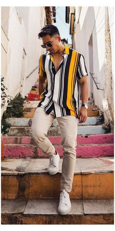 Outfits With Striped Shirts, Casual Shirts, Stripe Shirts, Vertical Striped Shirt, Vertical Stripes, Stylish Mens Outfits, Casual Outfits, Men Casual, Summer Outfits