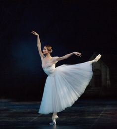Svetlana Zakharova in Teatro alla Scala's production of Giselle.  Photography by Marco Brescia & Rudy Amisano