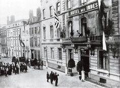 Paul Kruger (1825 – 1904), Zuid Afrikaanse president, op het balkon van Hotel Des Indes in Den Haag, december 1900 - januari 1901. Datum 1 december 1900 Locatie Den Haag The Hague, My Land, African History, Street View, City, December, Vintage, Balcony, Cities
