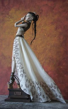 Porcelain Tiles In China Ooak Dolls, Barbie Dolls, Plastic Art, Doll Repaint, Fairy Dolls, Ball Jointed Dolls, Doll Face, Beautiful Dolls, Fashion Dolls