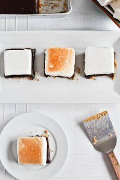 No-Bake S'mores Bars I #paleofy #dessert #smore