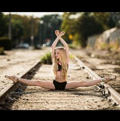 Image uploaded by Valentine. Find images and videos about dance, ballet and rp on We Heart It - the app to get lost in what you love. Dance Moms, Just Dance, Ballet Photography, Photography Poses, Tumblr Ballet, Dance Photo Shoot, Dance Photoshoot Ideas, Cheer Dance, Pole Dance