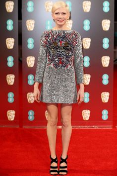 Best supporting actress nominee #MichelleWilliams in #LouisVuitton at the 2017 #BAFTAs. #ManchesterByTheSea