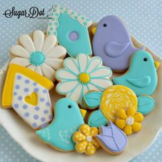 Sugar Dot Cookies: Cookie Decorating Parties - August and September 2015 Flower Sugar Cookies, Bird Cookies, Sugar Cookie Royal Icing, Iced Sugar Cookies, Cute Cookies, Easter Cookies, Royal Frosting, Crazy Cookies, Heart Cookies