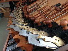 Lee Nielsen Hand Planes Woodworking Hand Planes, Antique Woodworking Tools, Woodworking Chisels, Cool Woodworking Projects, Woodworking Tips, Highland Woodworking, Wood Plane, Metal Shop, Working Area