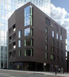 Röben Klinker, Bricks | 240 Blackfriars Road, London | Klinker FARO schwarz-nuanciert, glatt DF 9cm | Planung: Short and Associates und MJP Architects, London | Foto: Timothy Soar