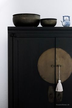 Oriental metal shell black antique