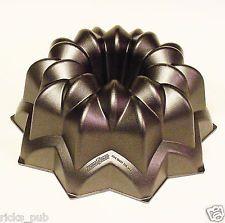 Nordic Ware STAR BUNDT Cake Pan Heavy Metal Aluminum 12 Cup Oven Baking Mold